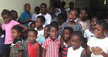 Kids singing2
